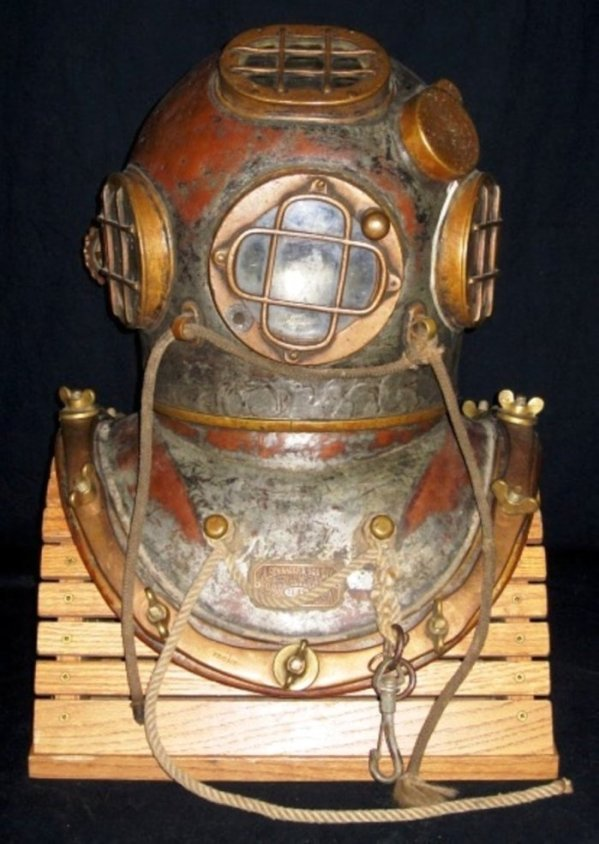 Schrader Diving Helmet 1589