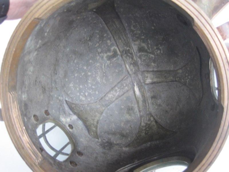 siebe gorman admiralty pattern 6 bolt diving helmet